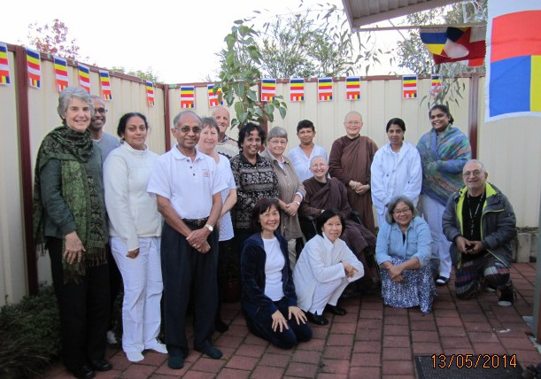 Ayya Vayama Bhikkhuni, Ayya Seri Bhikkhuni and the participants at the Vesak Meditation Day 2014 held at Patacara Bhikkhuni Hermitage. Photo by Peace.