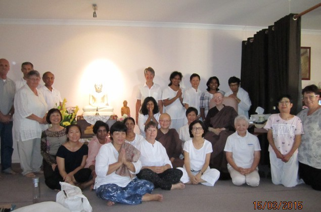 Ayya Vayama Bhikkhuni, Ayya Seri Bhikkhuni and the participants on Meditation Day, 15th of March 2015. Photo by Ming.