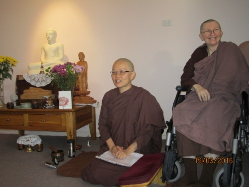 Ayya Vayama Bhikkhuni and Ayya Seri Bhikkhuni inside the Sala of Patacara Bhikkhuni Hermitage on Sunday, 19th March 2016. Photo by Ming.