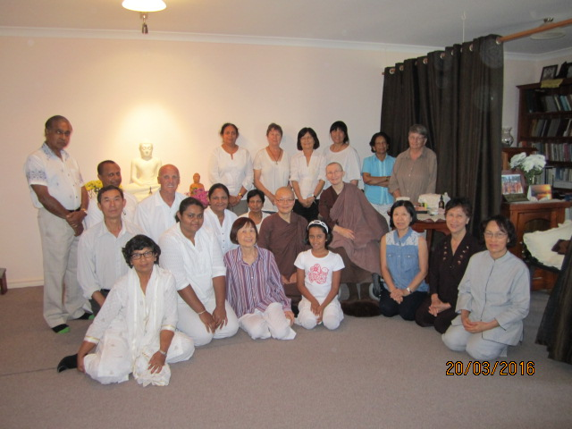 Group photo [2] of Ayya Vayama bhikkhuni, Ayya Seri Bhikkhuni and the participants at the Meditation Day on 19th March 2016. Photo by Ming.