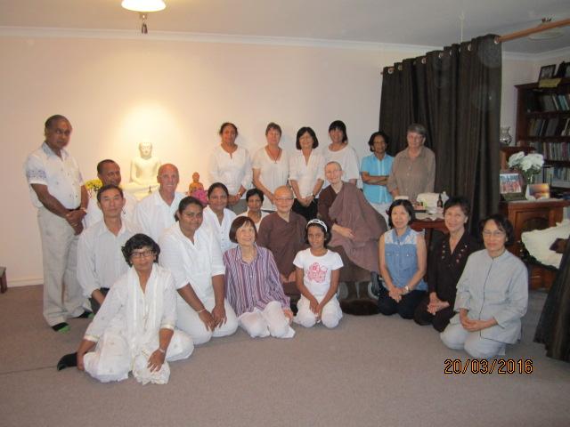 Group photo [2] of Ayya Vayama bhikkhuni, Ayya Seri Bhikkhuni and the participants at the Meditation Day on 19th March 2016. Photo by Ming.