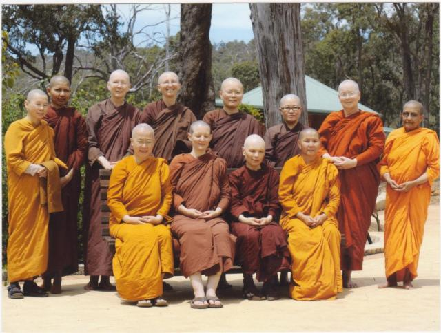 Bhikkhuni Ordination 2009 002